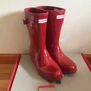 Hunter short glossy rain boot